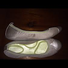 67 off dexflex shoes dexflex comfort flats from kim u0027s closet on