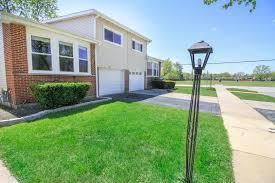 Des Plaines Il by Duplex Homes For Sale In Des Plaines Des Plaines Real Estate