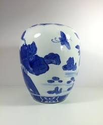 Ginger Jar Vase Cocoscollections Small Asian Blue And White Ginger Jar Tea Caddy