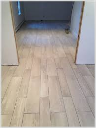 tile floors look like wood tiles home decorating ideas ngwppnewwp