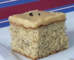 cuisine de gateau dans la cuisine de blanc manger gâteau aux bananes