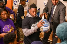 nfl players association nfl players give back for thanksgiving