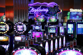 Wisconsin Casinos Map by Gambling Has Given Ho Chunk New Hope Wisconsinwatch Org