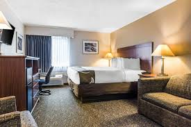 Comfort Inn East Liverpool Ohio Quality Inn Hotels In North Lima Oh By Choice Hotels