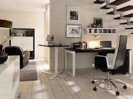 coin bureau dans salon des idées pour aménager un petit coin bureau bricobistro