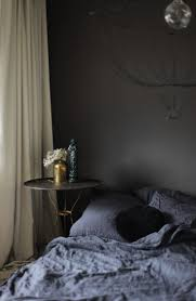 Grey Bedrooms by Best 25 Dark Grey Bedrooms Ideas On Pinterest Charcoal Paint