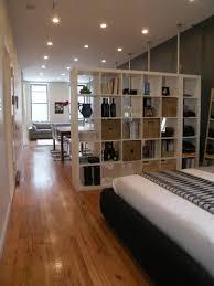 kleines schlafzimmer gestalten einzimmerwohnung einrichten tolle und praktische