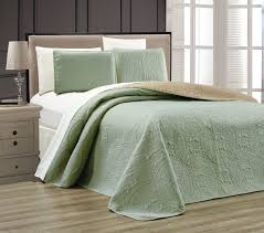 sage medallion reversible bedspread quilt set