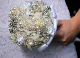 how to make a wedding bouquet diy brooch wedding bouquet made of vintage family brooches and pearls