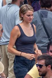 shailene woodley shows off her tris tattoo on the set of allegiant