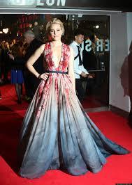 Mockingjay Halloween Costume Elizabeth Banks U0027 U0027hunger Games Mockingjay U0027 Dress Wins Red Carpet