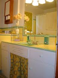 Grey And Yellow Bathroom Ideas 11 Best Yellow Bathroom Images On Pinterest Bathroom Ideas