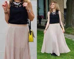 pleated skirt forever 21 liat neuman forever 21 necklace topshop lace top bcbg maxi