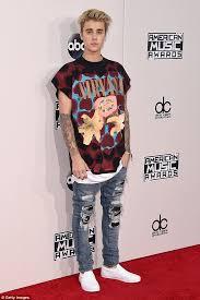 Justin Bieber Costume Halloween Courtney Love Defends Justin Bieber U0027s Fans Slam Nirvana Amas