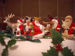 kitsch christmas cake hello hooray