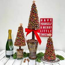 christmas table decorations and centrepieces notonthehighstreet com