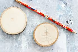 diy rustic wood holiday crafts