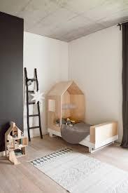 lit enfant ludique un lit cabane pour la chambre des kids frenchy fancy