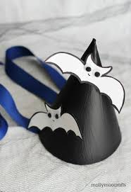 Bat Template Halloween by Hello Wonderful 6 Fun And Easy Bat Crafts