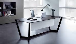 design bureau de travail table blanc chaise maison restored
