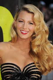 blake lively u0027s hair stylist only uses this one tool beauty crew