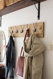 diy garderobe diy hakenleiste für garderobe bauen diy storage wood pallets