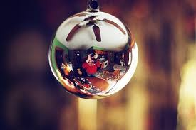 holidays ornament photography reflection image