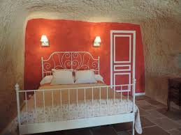 chambre troglodyte touraine façade du gite troglodyte de la rochère en touraine picture of