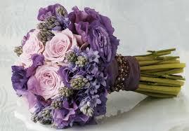 purple wedding flowers purplish wedding flowers the wedding specialiststhe wedding