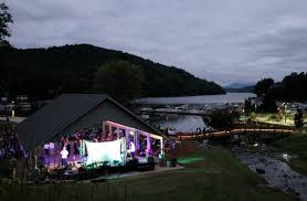 where was dirty dancing filmed dirty dancing on lake lure deep south magazine