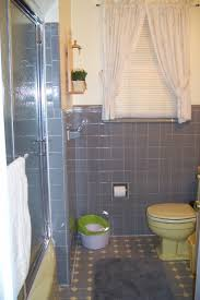 Diy Tile Bathtub Diy How To Remove Shower Doors From A Bathtub An Easy Step By