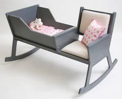 fauteuil adulte pour chambre bébé fauteuil a bascule chambre bebe dco murale chambre bb exquises pour