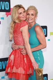 yolanda clothing off housewives yolanda hadid dishes on illness kids and exes in memoir daily