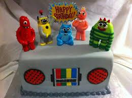 yo gabba gabba boombox cake cakecentral