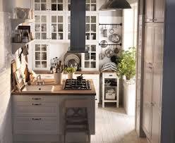 küche einrichten mit ikea kleine wohnungen einrichten kleine küche mit kochinsel
