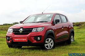 new renault kwid renault kwid turns up the heat laps 25 000 bookings motoroids