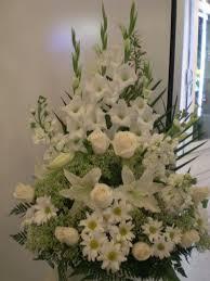 floral arrangements for funeral best 25 funeral flower arrangements ideas on floral