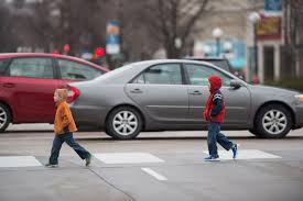 why children struggle to cross busy streets safely iowa now