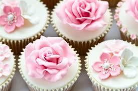 hochzeitstorte cupcakes cupcakes süße alternative zur hochzeitstorte weddix