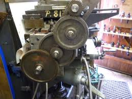 making a rotary table rotary table driven by the leadscrew john f s workshop