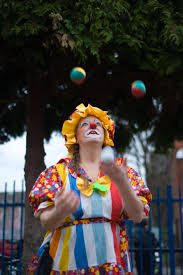 clowns juggling balls juggling clown susi oddball s world
