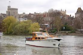 thames river boat hen party amazing boat trip for hen party fringilla larus and sula tours