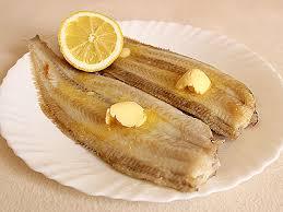 cuisiner une sole soles juste poêlées beurre frais et filet de citron la cuisine