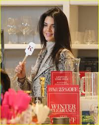 Kris Jenner Kitchen by Kendall Jenner Shops With Mom Kris For U0027kuwtk U0027 Filming Photo