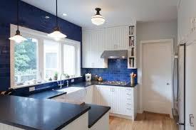 forme cuisine cuisines cuisine bleue forme u cuisine en u idéale pour les