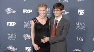 Seeking Season 3 Simon Rich And Hale Fxx S Seeking Season 3