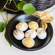 egg decorations 23 totally different ways to decorate real eggs this easter hometalk