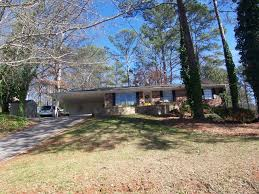 mid century ranch homes just listed ranch homes in atlanta georgia rolando flores