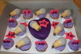 purple justin bieber mini fondant birthday cake and microphone