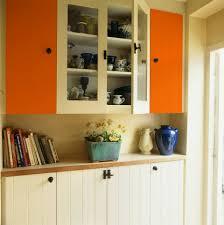 cuisine couleur orange peinture murale cuisine jaune avec le magazine ripolin quelle